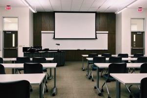 classroom-1910014_640